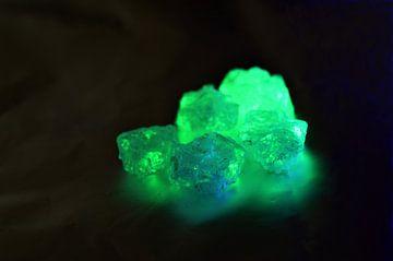 Grün fluoreszierende Kristalle von Gera Wijlens