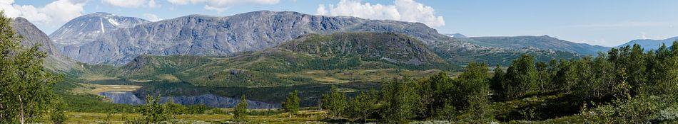 Groot panorama van de Besseggen bergkam  in NP Jotunheimen, Oppland, Noorwegen