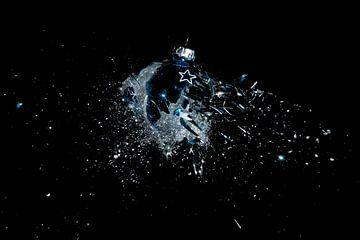 Blauwe kerstbal van Rob Hansum