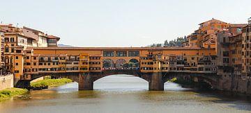 Het uitzicht op de Ponte Vecchio, Firenze van Nina Rotim