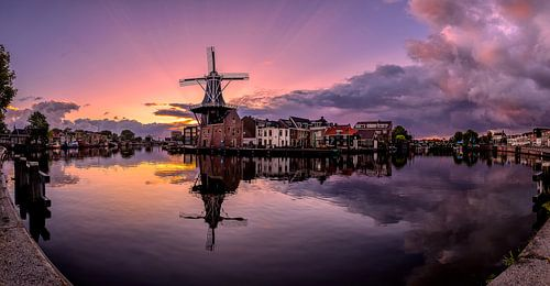Sunrise between the storm, panorama in Haarlem the Netherlands sur