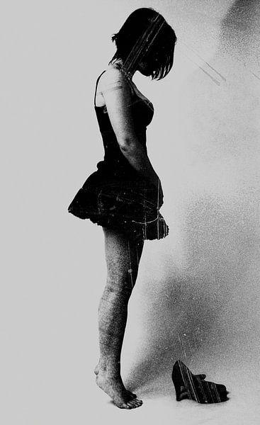 Vrouw zonder schoenen