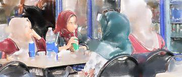 Jonge vrouwen in Aqaba van Frank Heinz