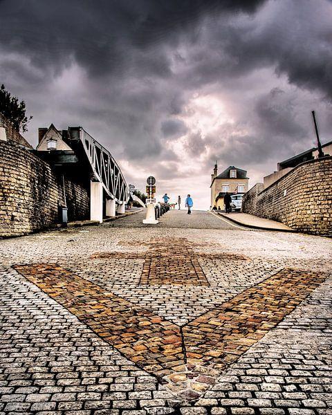 Strandoprit van Arromanches, Normandië, Frankrijk. van Harrie Muis