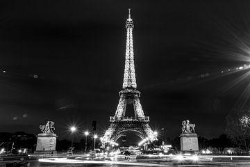 Eiffeltoren in Parijs, zwart wit sur silvio Lorez
