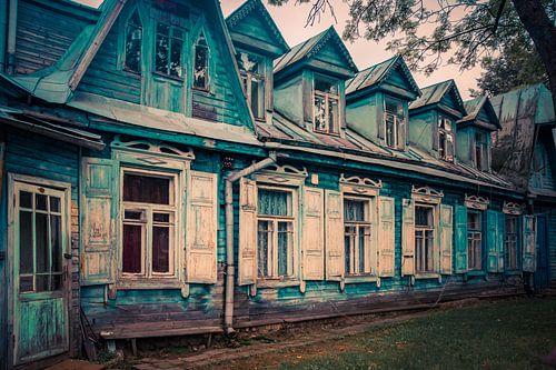 Vilnius maisons anciennes en bois sur Manon Ruitenberg