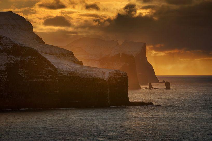 Faroe cliffs van Wojciech Kruczynski