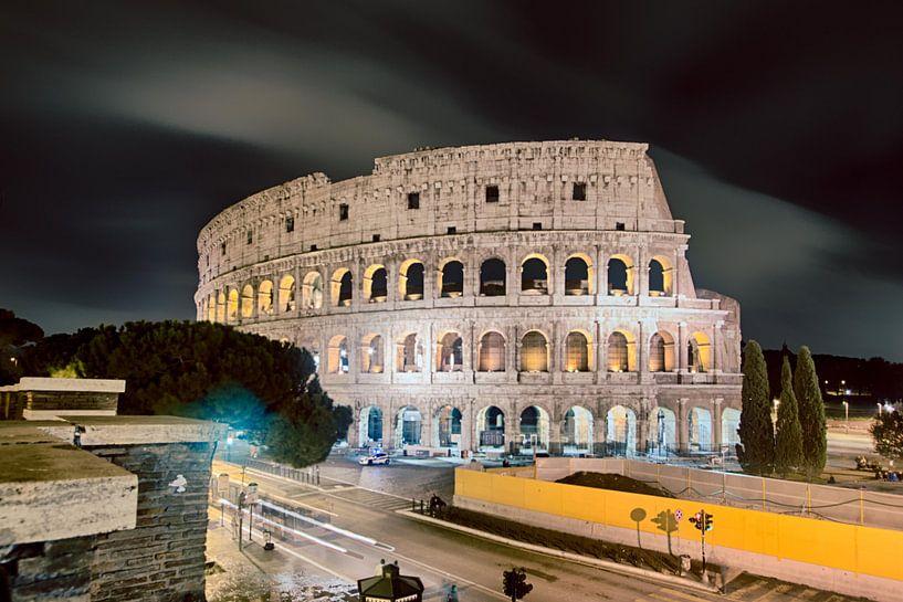 colosseum- rome van Leanne lovink