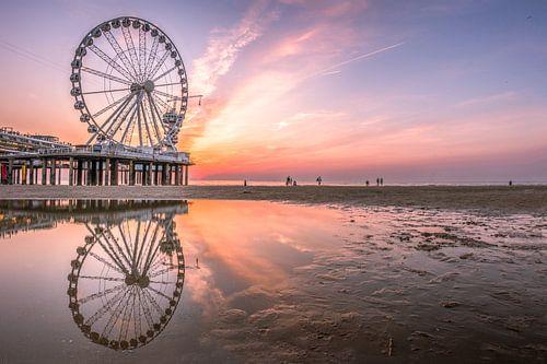 Scheveningen strand zonsondergang pier