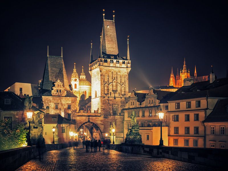 Prague at Night - Charles Bridge van Alexander Voss