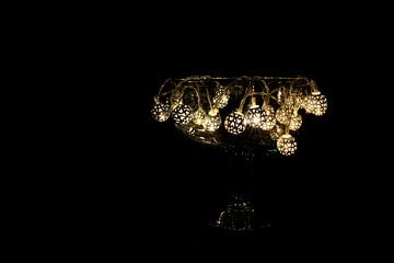 lichtsnoer op zwarte achtergrond van Annet Niewold