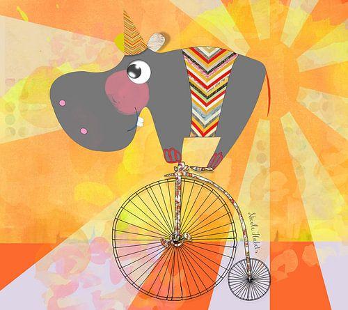 Nijlpaard op fiets voor in een kinderkamer van Nicole Roozendaal
