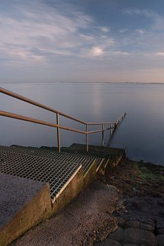 Treden in het water van Etienne Rijsdijk