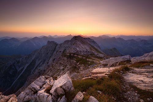 sunrise from Grosse Daumen peak  van Olha Rohulya