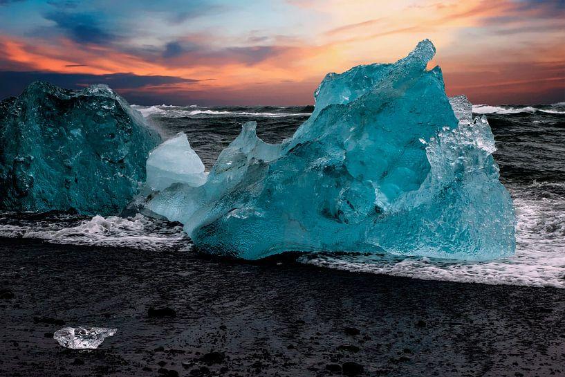 Eisberge am Strand Islands von Gert Hilbink