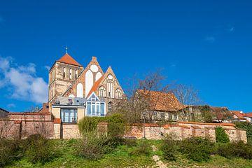 Blick auf die Nikolaikirche in der Hansestadt Rostock von Rico Ködder