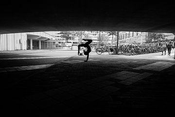 Streetlife acrobatics van Leonie Versantvoort