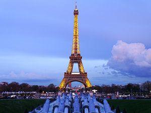 Eiffel toren na zonsondergang