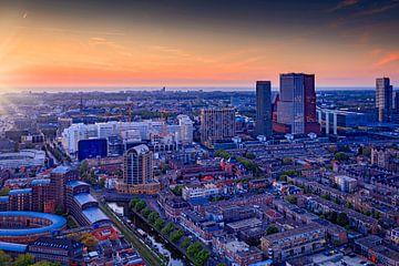 skyline van Den Haag kort voor zonsondergang van gaps photography