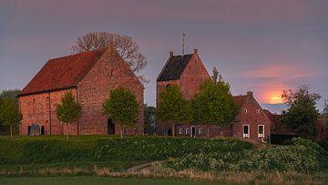 Maanopkomst in Ezinge, Groningen, Nederland van Henk Meijer Photography