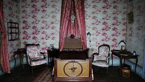 Das rote Schlafzimmer von Edou Hofstra