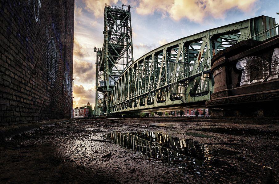 De Hef tijdens guur weer (Koningshavenbrug) van Prachtig Rotterdam