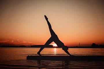Yogapose als Silhoutte
