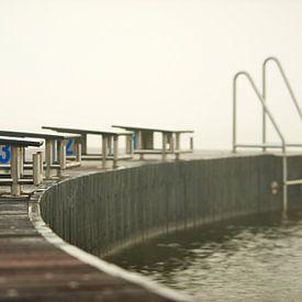 Startblok voor zwemmers op een steiger van Jenco van Zalk