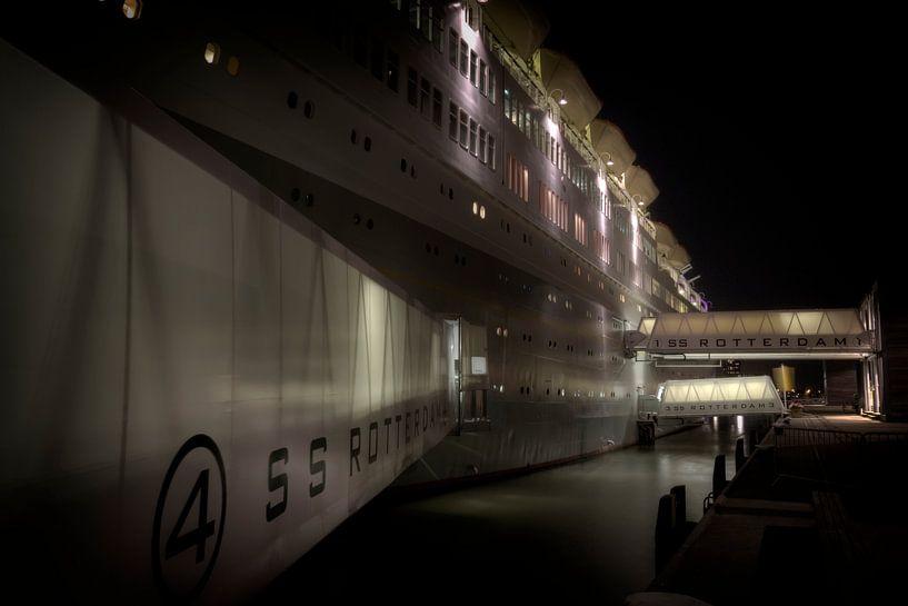 Voormalig cruiseschip SS Rotterdam van Eus Driessen