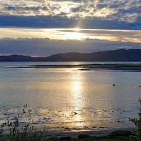 Midnight Sun over the the Porsanger Fjord van Gisela Scheffbuch