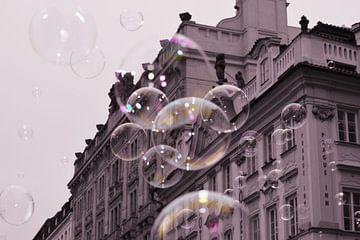 Zeepbellen in Praag von Manon Sloetjes