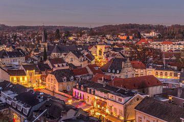 Kerstsfeer in Valkenburg aan de Geul von John Kreukniet