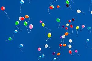 Oplaten van ballonnen.