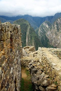 Teil von Machu Picchu in Peru von Yvonne Smits