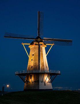 Beleuchtete Mühle von Martine Moens
