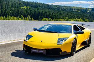 Gele Lamborghini Murcielago LP670-4 SV supercar