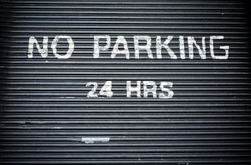 No Parking - New York City van Marcel Kerdijk