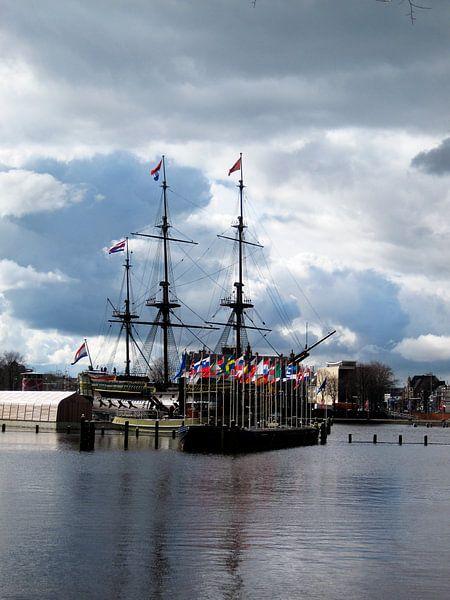 VOC-schip de Amsterdam van Rietje van der Meer