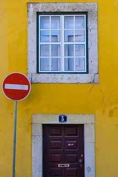Das rote Schild von Denis Feiner
