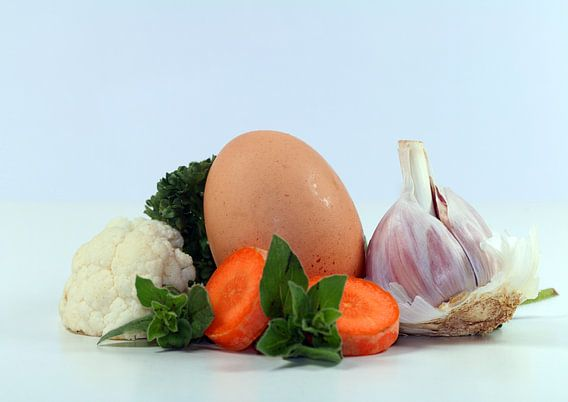 Garlic,Egg,carrots,Parsley,Oregano,Cauliflower