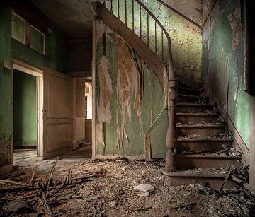 Interieur eines verlassenen Landhauses von Olivier Van Cauwelaert