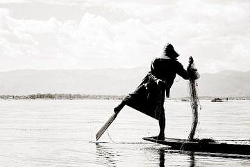 Traditionele visserij in Inle Lake - Myanmar van RUUDC Fotografie