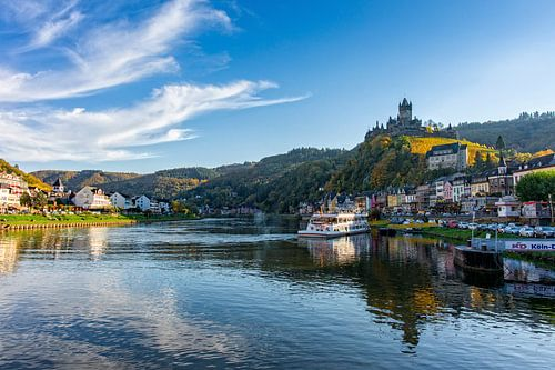 Cochem in Duitsland vanaf de rivier de Moezel.