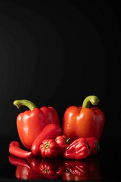 Paprika's, spaanse pepers en rode habaneros van Gaby Hendriksz