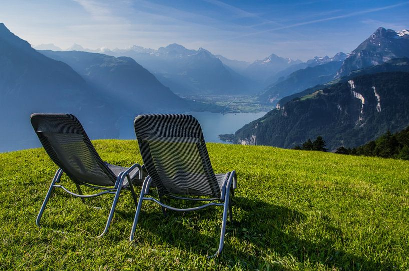 """""""Samen"""" genieten van het uitzicht over het Vierwoudstrekenmeer, Zwitserland. van Kaj Hendriks"""