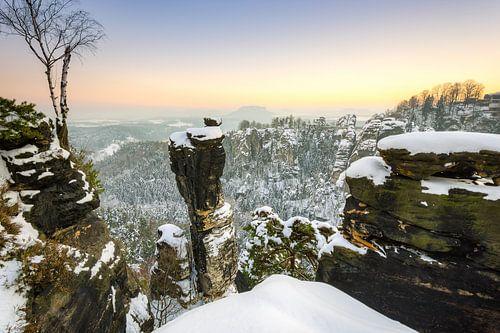 Winter evening in Saxon Switzerland van Michael Valjak