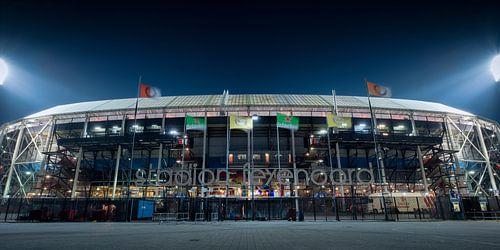 Avondfoto van Feyenoord stadion De Kuip