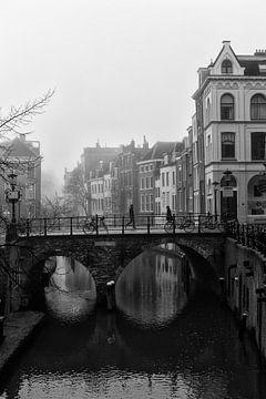 Maartensbrug in Utrecht in de mist van De Utrechtse Grachten