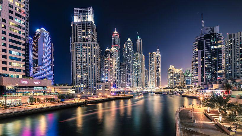 Futuristic Dubai Marina van Martijn Kort