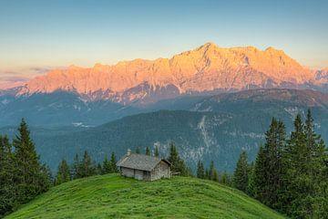 Alpenglow in het Wettersteingebergte